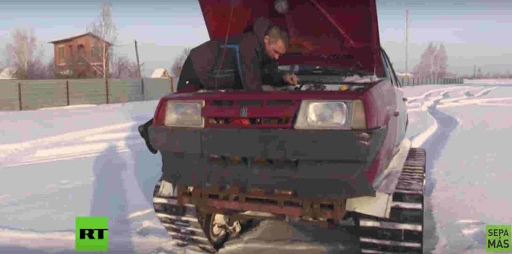 Un ruso ha convertido su Lada en un tanque