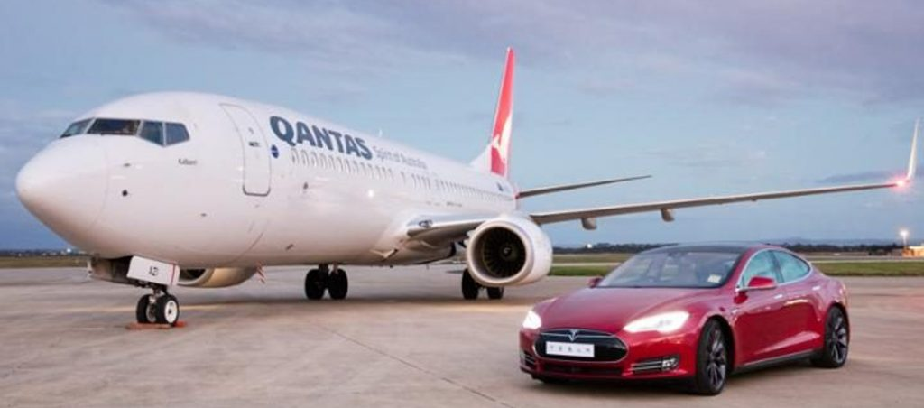 Tesla Vs avión