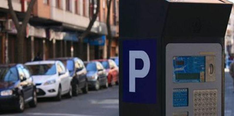 Pagar por aparcar irrita a los españoles
