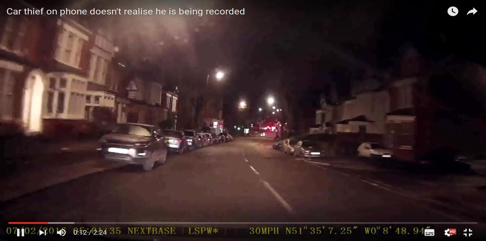 El ladrón de coches quedó grabado