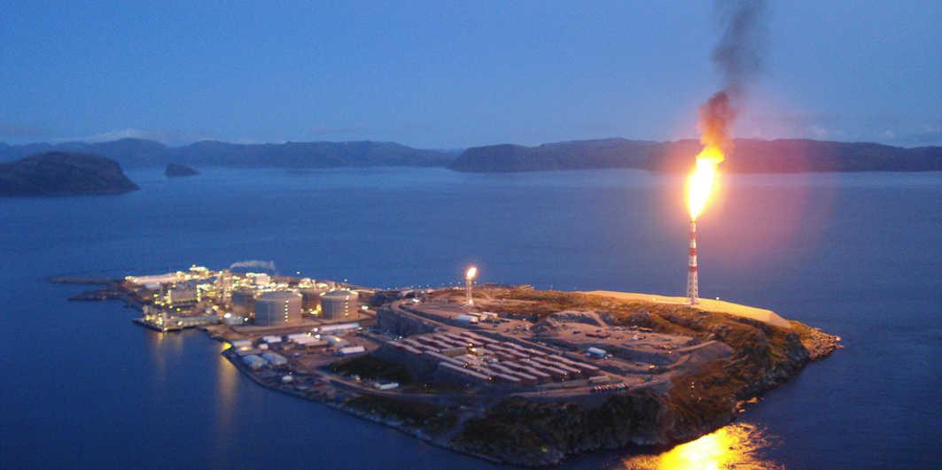 Noruega quiere prohibir la venta de coches de gasolina a pesar de ser un productor de pétroleo (Foto: Joakim Aleksander Mathisen / Wikimedia Commons)