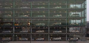 El mercado automovilístico crece (Foto: Diego Delso / Wikimedia Commons)