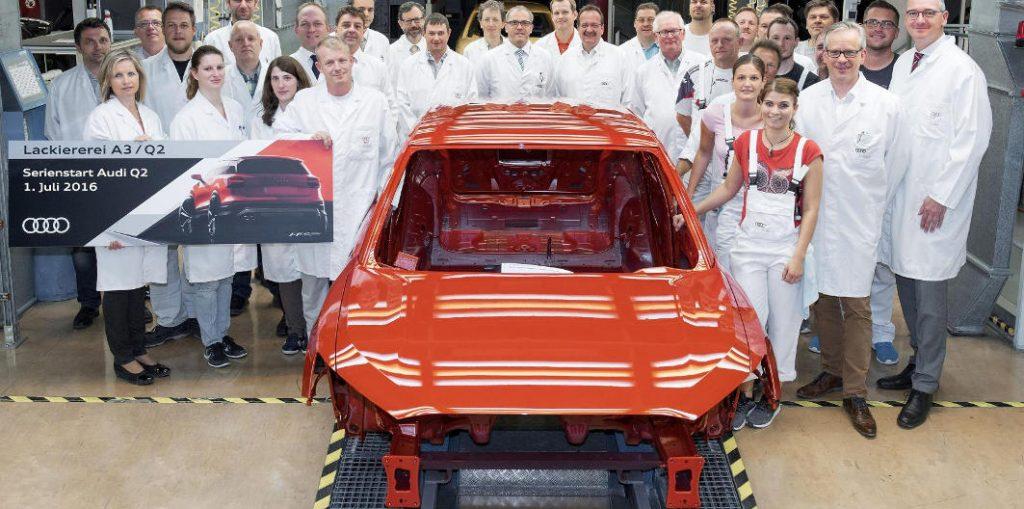 Trabajadores de la fabrica de Inglostadt donde se fabrica el Q2