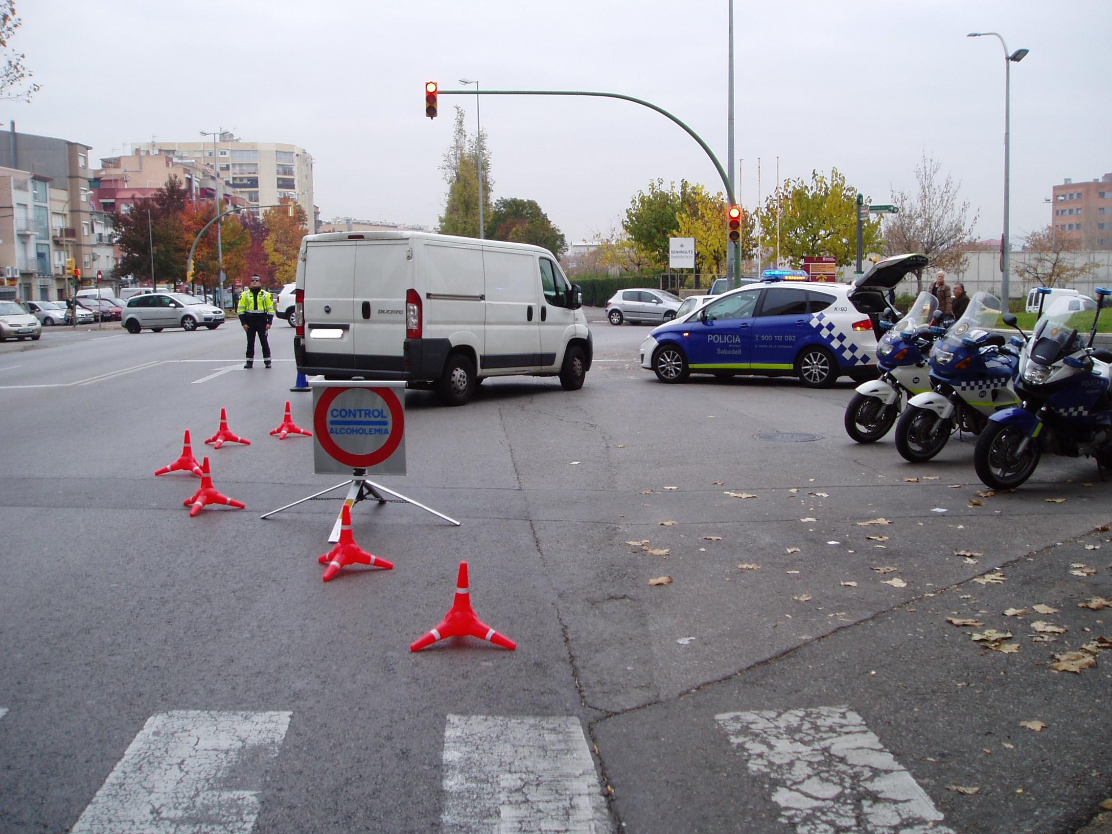 Un control de alcoholemia en Sabadell (Foto: Premsa Sabadell / Wikimedia Commons)