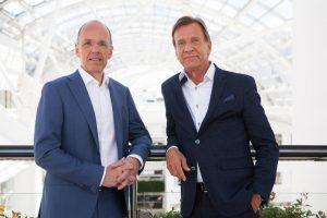 Jan Carlson y Hakan Samuelsson representantes de Autoliv y Volvo