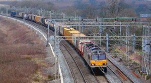 El transporte de coches por ferrocarril ha aumentado (Foto: Gman / Wikimedia Commons)