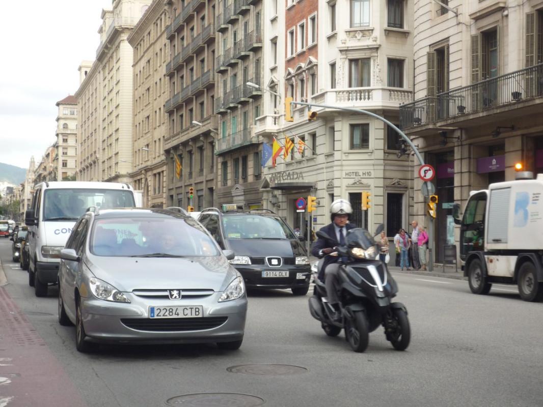 Barcelona dará transporte público gratis a aquellos que abandonen su viejo coche Foto: Ajuntament de Barcelona