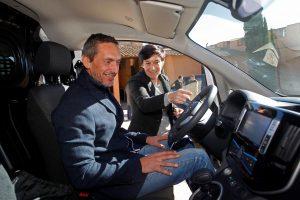 Nissan entregó la furgoneta a la bodega Oller del Mas