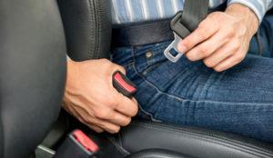 El cinturón de seguridad es un elemento indispensable