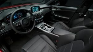 Interior del Kia Stinger