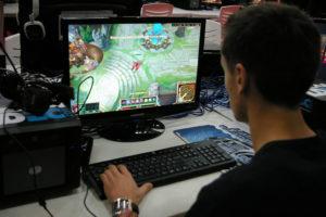 Los videojuegos ayudan a mejorar la conducción (Foto: Pablo 229 / Wikimedia Commons)