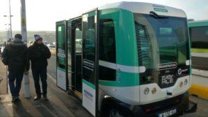 Paris estrena transporte colectivo sin conductor (Foto: TV3)
