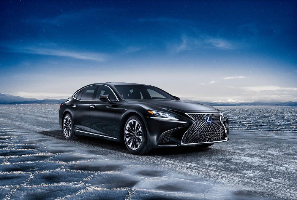 Lexus presentará dos novedades en el Salón de Barcelona