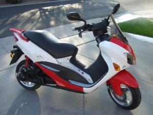 Una moto eléctrica (Foto:  Daniel.Cardenas / Wikimedia Commons)