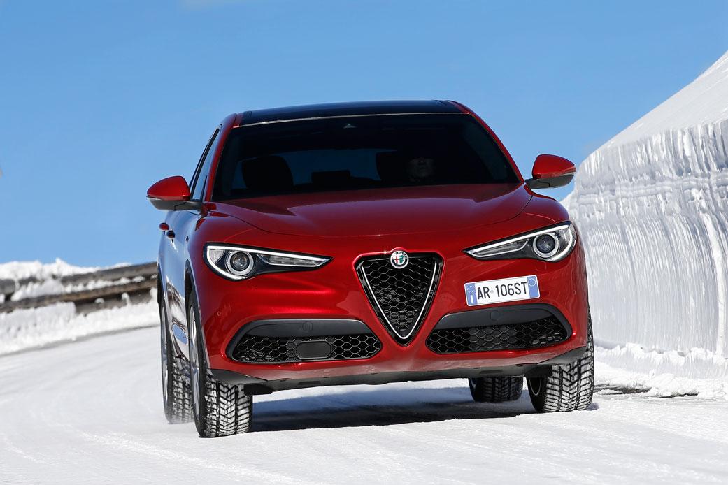 Alfa-Romeo-Stelvio-13
