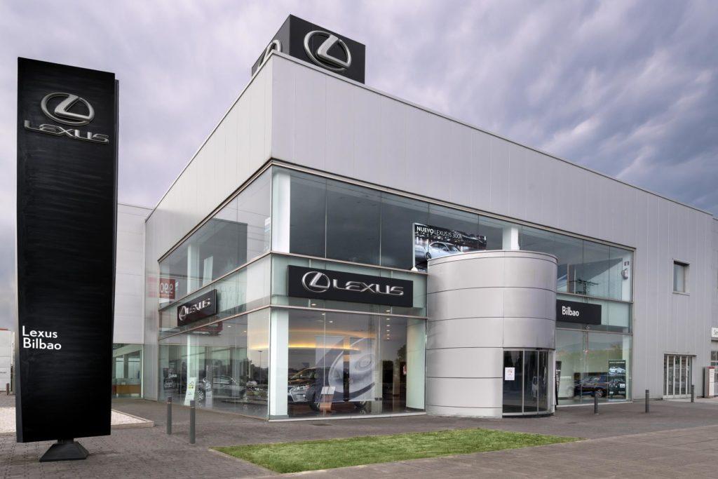 Lexus y Toyota acreditan el ISO 140001