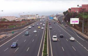 Más coches en las carreteras españolas (Foto: Foxbasealpha / Wikimedia Commons)