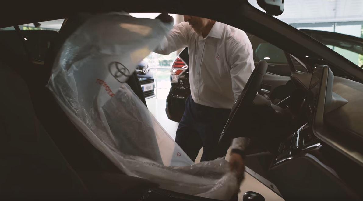Toyota elimina las fundas de plástico