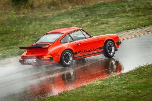 Porsche reimprime manuales de coches antiguos