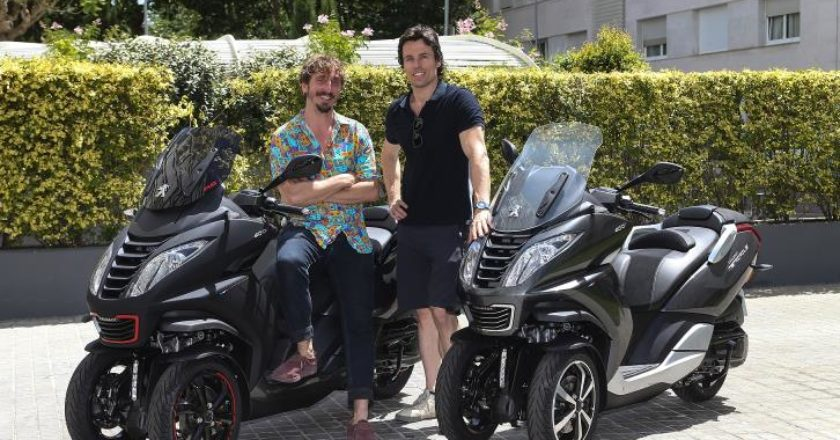 Massagué y Pujades con sus Peugeot Motocycles