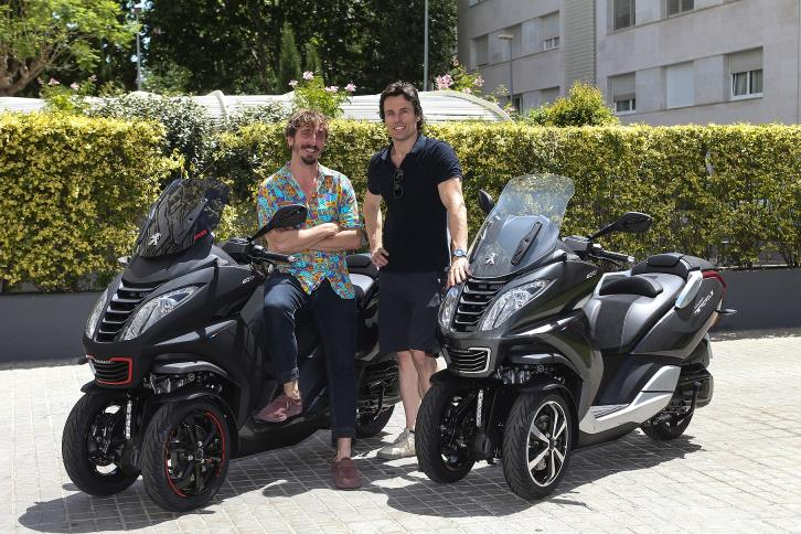 Massagué y Pujades con sus Peugeot Motocycles