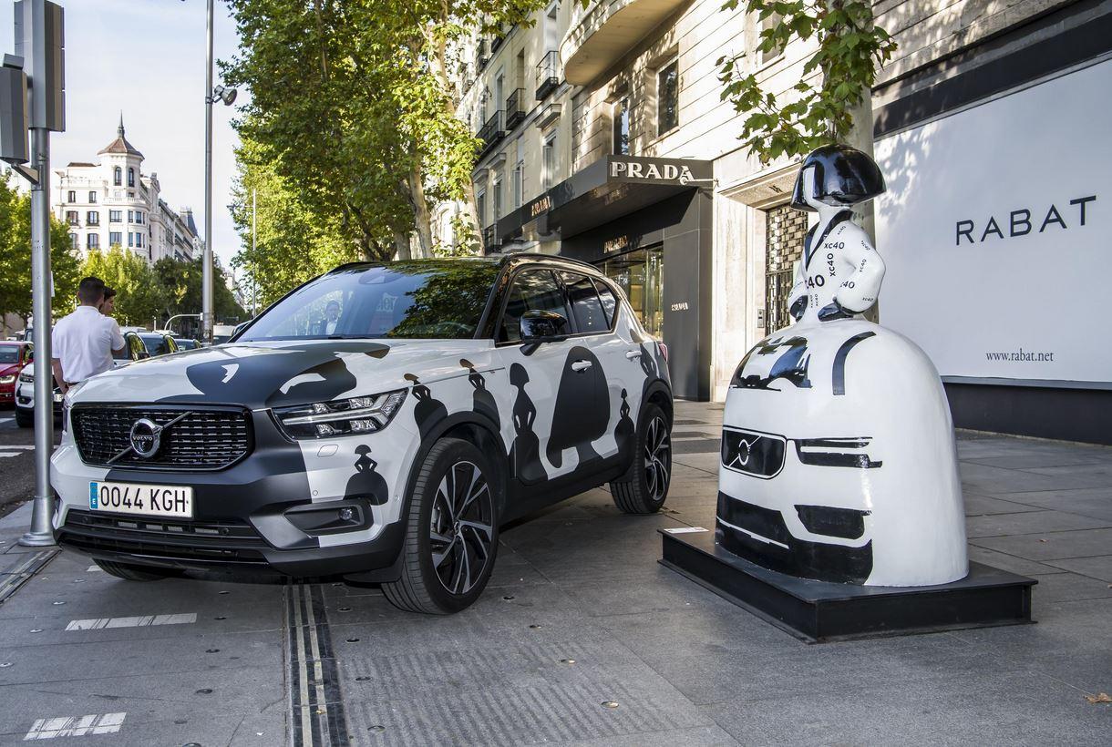 Azzato ha recreado las Meninas en un Volvo