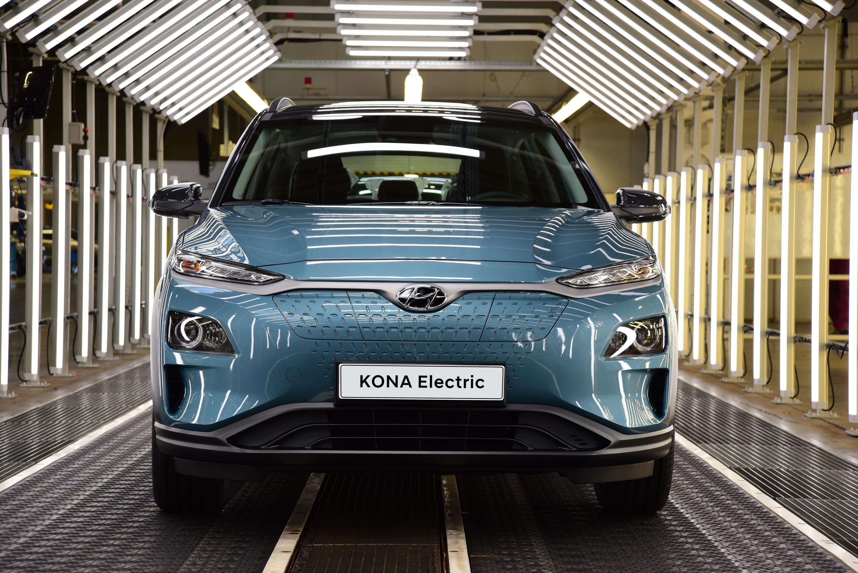 Un Hyundai Kona fabricado en Europa de color azul