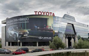 Fachada de un concesionario de Toyota que ha ganado el Top Employer