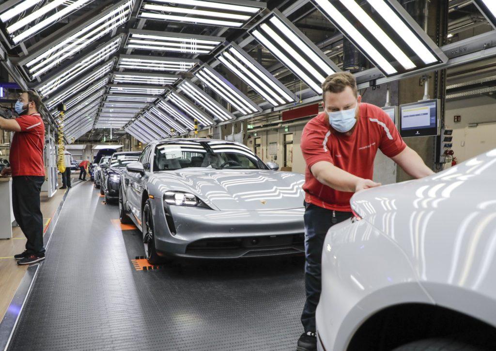Una de las factorías de Porsche que ha reanudado su actividad